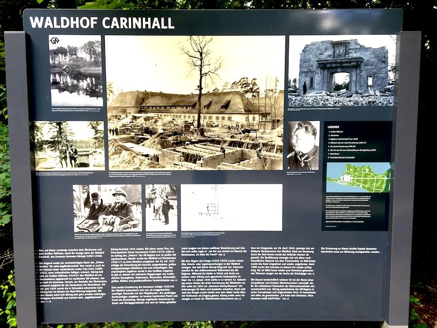 Infotafel in der Schorheide am Ort des ehemaligen Carinhall von Hermann Göring