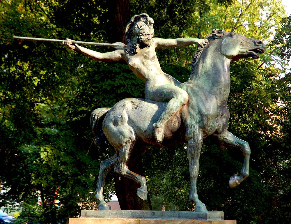 Kämpfende Amazone von Franz von Stuck aus Carinhall, heute in Eberswalde